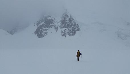 Fortaleza en medio de la soledad -Por Charles Stanley-